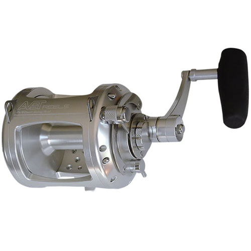 Avet EX30/2 RH-GD Conventional Reel, Gold, 3.8:1/2.0:1 GR, 40lb. Drag, 310/50lb. Yds/Tst, 47oz.