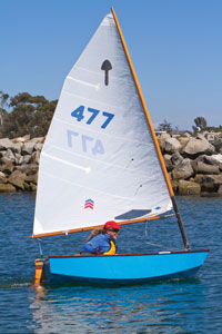 El Toro dinghy sailing