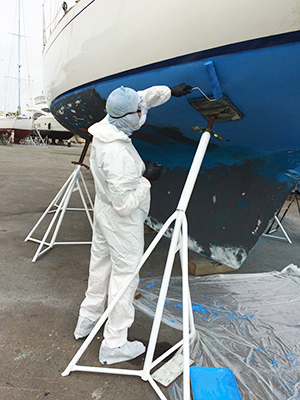 Applying hydrocoat ECO to sailboat hull