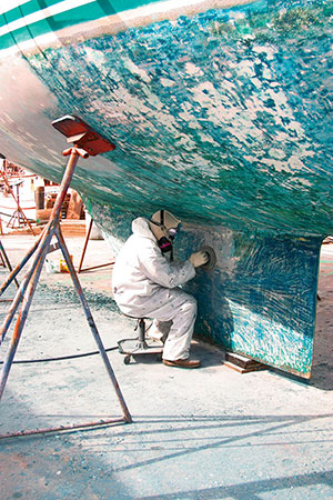 removing bottom paint from the keel of a sailboat