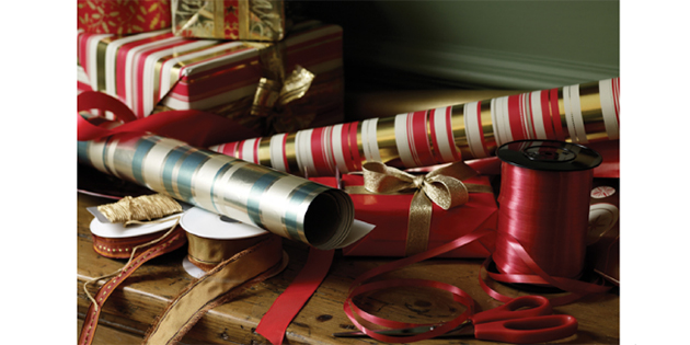 Holiday Gift Wrapping at West Marine Solomons